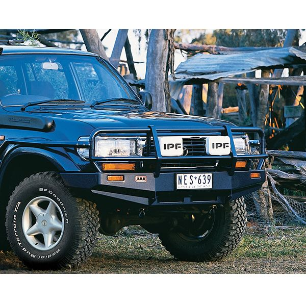 ARB 3411050 ARB Deluxe winchbumper for LC 80 series with fenders-non airbag model
