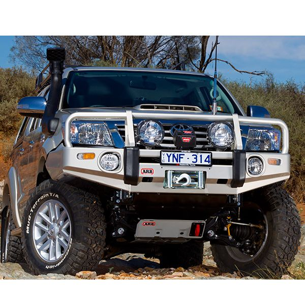 ARB 3414520 ARB Deluxe winchbumper for Hilux (11-15) (OE en ARB foglights)